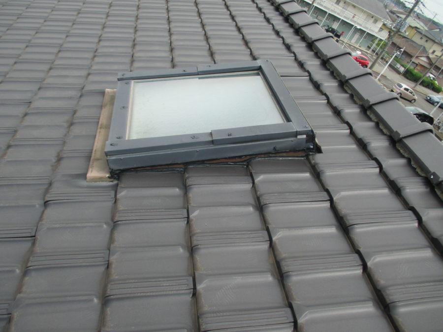 梅雨の合間に屋根修理